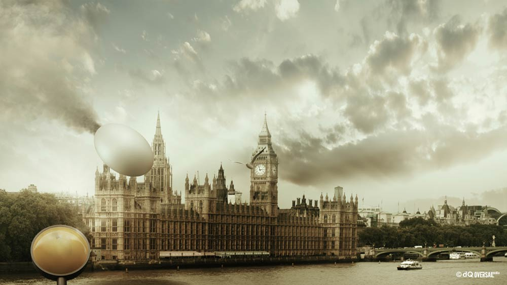 Flying egg above the house of parlament SKU: ar-0011