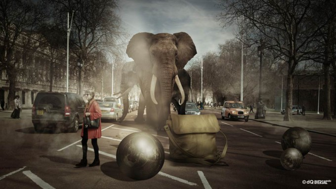 Woman in red and elephants crossing the road full of cars - 車の完全な道路を横断赤の女性と象 SKU: li-0009
